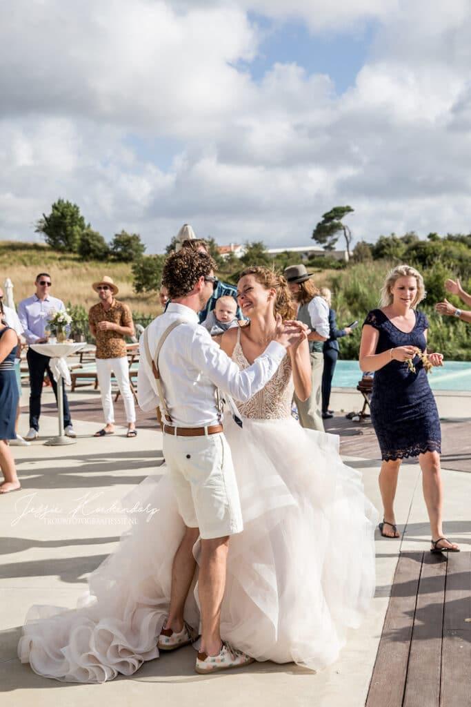 Huwelijksfeest in het buitenland